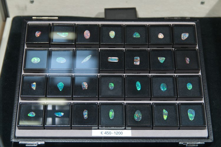 boulder and black opals at the munich show