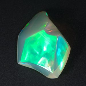 Mirror Flash Welo Opal Carving