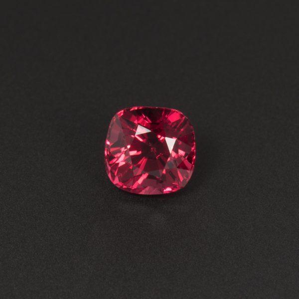 Purplish Red Spinel gemstone Cushion 0.8ct